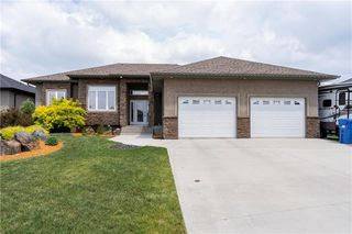 Photo 1: 50 Claremont Drive in Niverville: Fifth Avenue Estates Residential for sale (R07)  : MLS®# 202013767