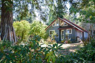 Photo 1: 1779 ASTRA Rd in : CV Comox Peninsula House for sale (Comox Valley)  : MLS®# 857727