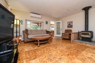 Photo 3: 1779 ASTRA Rd in : CV Comox Peninsula House for sale (Comox Valley)  : MLS®# 857727