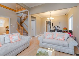 Photo 4: 380 STRATFORD Avenue in Burnaby: Capitol Hill BN House 1/2 Duplex for sale (Burnaby North)  : MLS®# R2411548