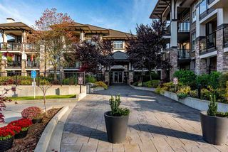 "Photo 2: 302 15195 36 Avenue in Surrey: Morgan Creek Condo for sale in ""EDGEWATER"" (South Surrey White Rock)  : MLS®# R2417496"