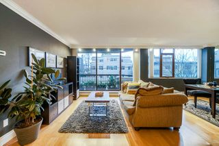 Photo 1: 202 2445 W 3RD AVENUE in Vancouver: Kitsilano Condo for sale (Vancouver West)  : MLS®# R2424832