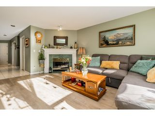 """Photo 4: 149 15550 26 Avenue in Surrey: King George Corridor Townhouse for sale in """"SUNNYSIDE GATE"""" (South Surrey White Rock)  : MLS®# R2460226"""