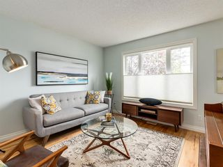 Photo 3: 927 WENTWORTH Rise SW in Calgary: West Springs Semi Detached for sale : MLS®# A1031221