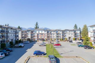 """Photo 15: 319 46289 YALE Road in Chilliwack: Chilliwack E Young-Yale Condo for sale in """"NEWMARK"""" : MLS®# R2507813"""