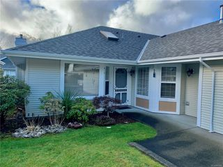 Photo 2: 8 2010 20th St in : CV Courtenay City Row/Townhouse for sale (Comox Valley)  : MLS®# 861800