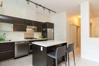 """Photo 8: 203 1252 HORNBY Street in Vancouver: Downtown VW Condo for sale in """"PURE"""" (Vancouver West)  : MLS®# R2413688"""