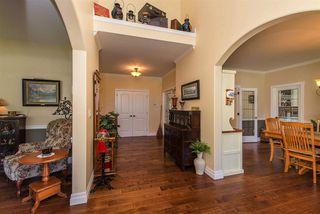 "Photo 3: 10428 WILDROSE Drive in Rosedale: Rosedale Popkum House for sale in ""Rose Garden Estates"" : MLS®# R2418839"