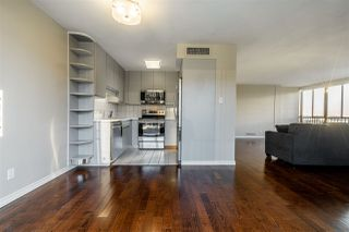"Photo 17: 1504 650 16TH Street in West Vancouver: Ambleside Condo for sale in ""Westshore Place"" : MLS®# R2421751"