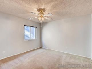 Photo 9: VISTA House for sale : 2 bedrooms : 1241 Longfellow Rd