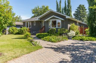 Photo 1: 16 WALNUT Drive SW in Calgary: Wildwood Detached for sale : MLS®# A1022816