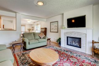 Photo 7: 16 WALNUT Drive SW in Calgary: Wildwood Detached for sale : MLS®# A1022816