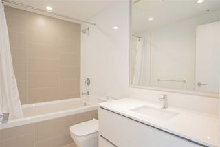 Photo 7: 4203 4670 ASSEMBLY Way in Burnaby: Metrotown Condo for sale (Burnaby South)  : MLS®# R2492603