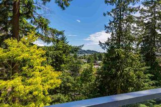 Photo 3: 5673 SALMON DRIVE in Sunshine Coast: Home for sale : MLS®# R2176486