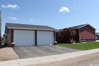 Photo 4: 220 Elizabeth Street in Melfort: Residential for sale : MLS®# SK781641