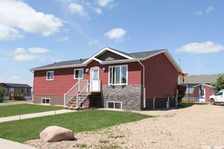 Photo 1: 220 Elizabeth Street in Melfort: Residential for sale : MLS®# SK781641
