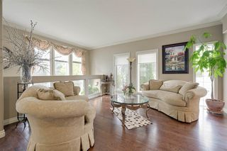 Photo 12: 319 DARLINGTON Crescent in Edmonton: Zone 20 House for sale : MLS®# E4176503