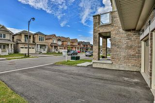 Photo 4: 33 Mondial Crescent in East Gwillimbury: Queensville House (2-Storey) for sale : MLS®# N4807441