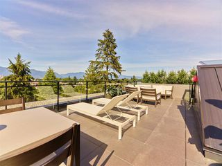 """Photo 2: 404 633 W KING EDWARD Avenue in Vancouver: Cambie Condo for sale in """"AMBER BY ARAGON"""" (Vancouver West)  : MLS®# R2482114"""