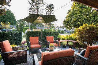 "Photo 4: 266 54 Street in Delta: Pebble Hill House for sale in ""PEBBLE HILL"" (Tsawwassen)  : MLS®# R2482561"