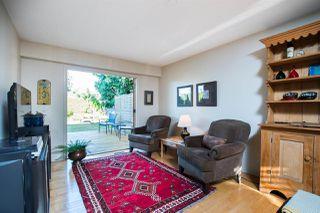 "Photo 11: 266 54 Street in Delta: Pebble Hill House for sale in ""PEBBLE HILL"" (Tsawwassen)  : MLS®# R2482561"