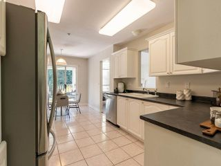 "Photo 10: 305 1150 LYNN VALLEY Road in North Vancouver: Lynn Valley Condo for sale in ""The Laurels"" : MLS®# R2496029"