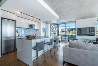Photo 2: 3406 128 W CORDOVA Street in Vancouver: Downtown VW Condo for sale (Vancouver West)  : MLS®# R2498820