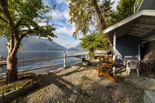 """Photo 34: 30 JOHNSON Bay in North Vancouver: Indian Arm House for sale in """"Johnson Bay"""" : MLS®# R2506244"""