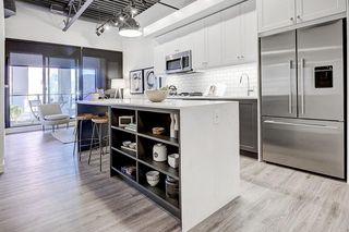 Photo 1: #208 123 4 ST NE in Calgary: Bridgeland/Riverside Condo for sale : MLS®# C4238906