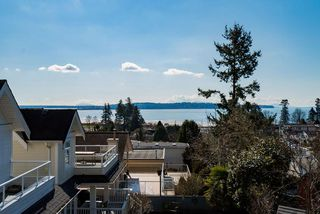 "Photo 7: 971 KENT Street: White Rock House for sale in ""WHITE ROCK BEACHES"" (South Surrey White Rock)  : MLS®# R2446562"