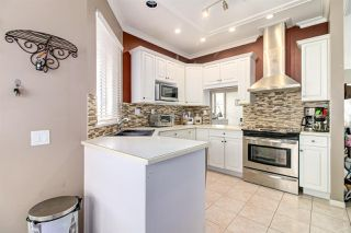 """Photo 14: 8510 212 Street in Langley: Walnut Grove House for sale in """"Forest Hills"""" : MLS®# R2450505"""