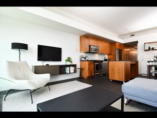 "Main Photo: 705 33 W PENDER Street in Vancouver: Downtown VW Condo for sale in ""33 Pender"" (Vancouver West)  : MLS®# R2471142"