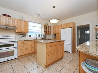 Photo 9: 2866 Inez Dr in Saanich: SW Gorge Single Family Detached for sale (Saanich West)  : MLS®# 842961