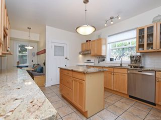Photo 10: 2866 Inez Dr in Saanich: SW Gorge Single Family Detached for sale (Saanich West)  : MLS®# 842961