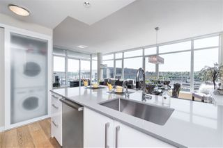 "Photo 16: 1703 168 W 1ST Avenue in Vancouver: False Creek Condo for sale in ""WALL CENTER FALSE CREEK"" (Vancouver West)  : MLS®# R2481779"
