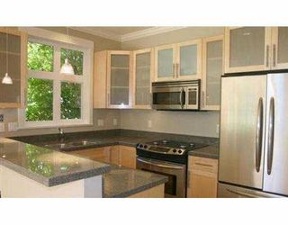 Photo 3: 237 W 11TH AV in Vancouver: Mount Pleasant VW House for sale (Vancouver West)  : MLS®# V555360