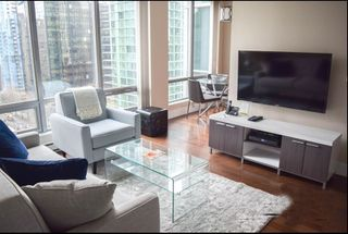 """Photo 1: 1001 1288 W GEORGIA Street in Vancouver: West End VW Condo for sale in """"RESIDENCES ON GEORGIA"""" (Vancouver West)  : MLS®# R2403342"""
