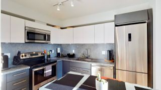 "Photo 3: 717 188 KEEFER Street in Vancouver: Downtown VE Condo for sale in ""188 KEEFER"" (Vancouver East)  : MLS®# R2408251"
