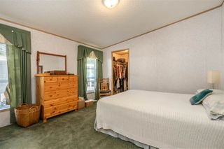 """Photo 15: 54 24330 FRASER Highway in Langley: Otter District Manufactured Home for sale in """"LANGLEY GROVE ESTATES"""" : MLS®# R2463203"""