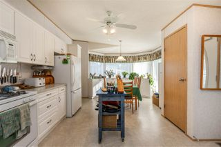 """Photo 4: 54 24330 FRASER Highway in Langley: Otter District Manufactured Home for sale in """"LANGLEY GROVE ESTATES"""" : MLS®# R2463203"""