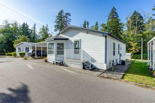 """Photo 23: 54 24330 FRASER Highway in Langley: Otter District Manufactured Home for sale in """"LANGLEY GROVE ESTATES"""" : MLS®# R2463203"""