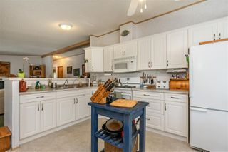 """Photo 16: 54 24330 FRASER Highway in Langley: Otter District Manufactured Home for sale in """"LANGLEY GROVE ESTATES"""" : MLS®# R2463203"""