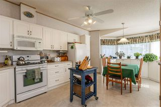 """Photo 5: 54 24330 FRASER Highway in Langley: Otter District Manufactured Home for sale in """"LANGLEY GROVE ESTATES"""" : MLS®# R2463203"""
