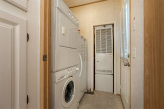 """Photo 22: 54 24330 FRASER Highway in Langley: Otter District Manufactured Home for sale in """"LANGLEY GROVE ESTATES"""" : MLS®# R2463203"""