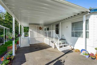 """Photo 25: 54 24330 FRASER Highway in Langley: Otter District Manufactured Home for sale in """"LANGLEY GROVE ESTATES"""" : MLS®# R2463203"""