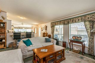 """Photo 10: 54 24330 FRASER Highway in Langley: Otter District Manufactured Home for sale in """"LANGLEY GROVE ESTATES"""" : MLS®# R2463203"""