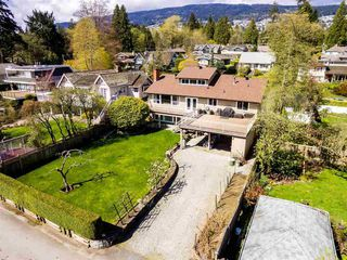 Photo 2: 1728 GORDON Avenue in West Vancouver: Ambleside House for sale : MLS®# R2470275