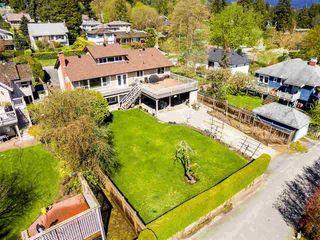 Photo 3: 1728 GORDON Avenue in West Vancouver: Ambleside House for sale : MLS®# R2470275