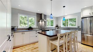 Photo 10: 1409 Hillgrove Rd in North Saanich: NS Lands End House for sale : MLS®# 841102
