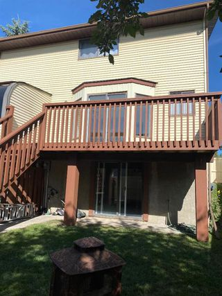 Photo 32: 554 STRATHCONA Drive SW in Calgary: Strathcona Park Semi Detached for sale : MLS®# A1020759